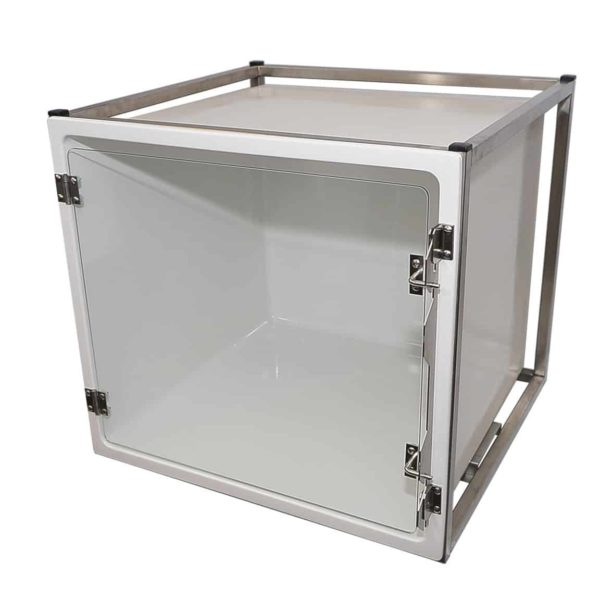 Polyester veterinary cage